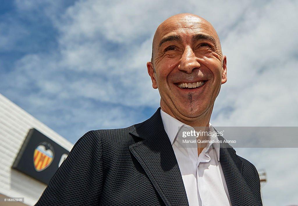 Valencia CF Unveil New Head Coach Pako Ayestaran : ニュース写真