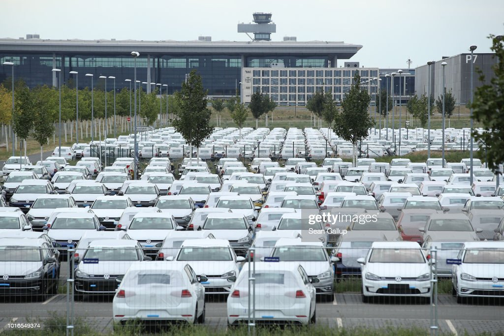 Volkswagen To Store Thousands Of Cars At New Berlin Airport : News Photo