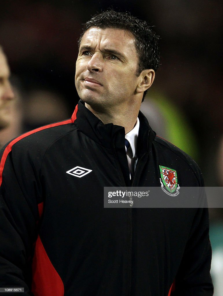Republic of Ireland v Wales - Carling Nations Cup