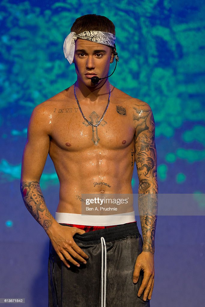 Madame Tussauds London Unveil New 'Wet Look' Justin Bieber Figure : News Photo