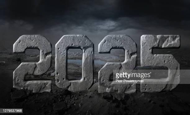 new year 2025 - この撮影のクリップをもっと見る 2025 stock pictures, royalty-free photos & images