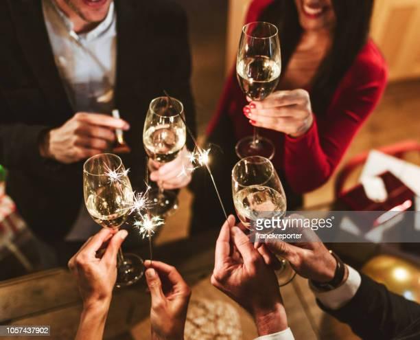 new year celebration with champagne - brindisi capodanno foto e immagini stock