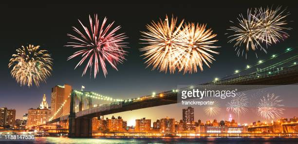 new year fireworks in new york - memorial day background stock pictures, royalty-free photos & images