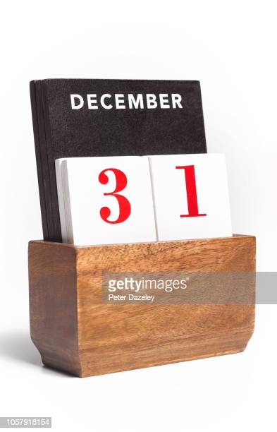 new year's eve desk calendar - december stock pictures, royalty-free photos & images