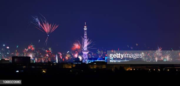 new years eve in berlin - fireworks with berlin skyline - berliner funkturm stock-fotos und bilder