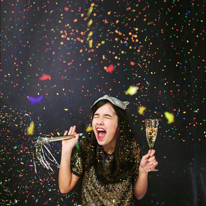 new years girl toasting - gettyimageskorea