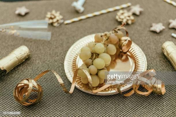 new years spanish  tradition - tradition fotografías e imágenes de stock