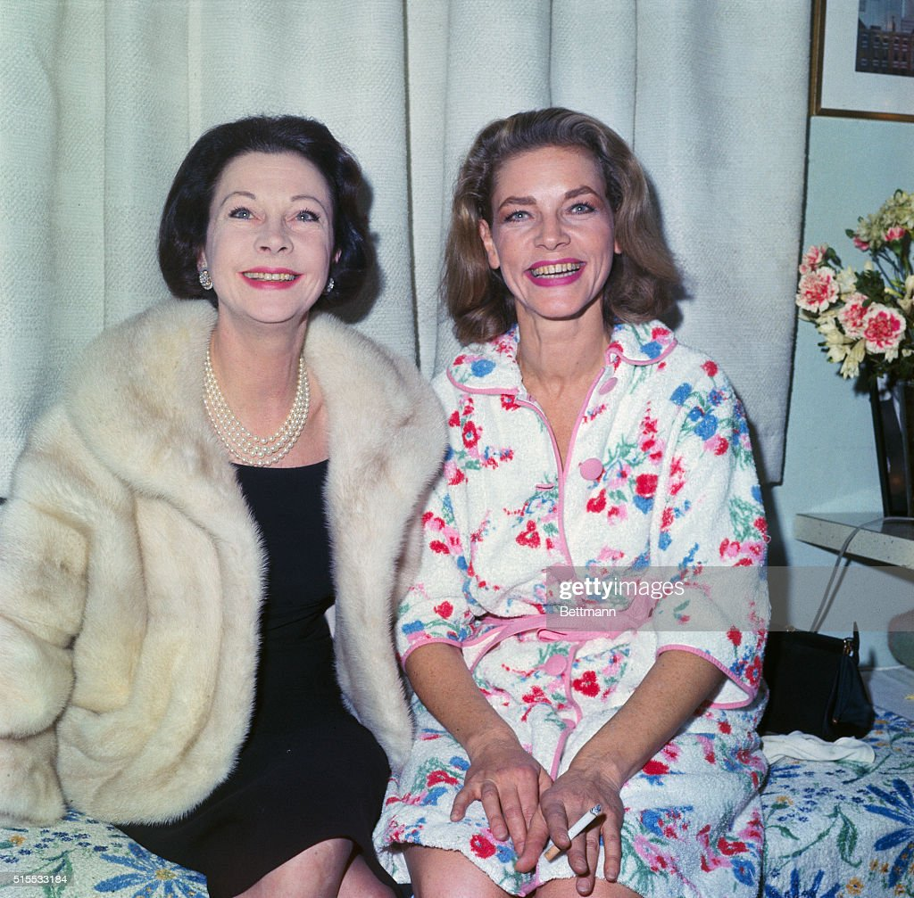 Vivian Leigh with Lauren Bacall : News Photo
