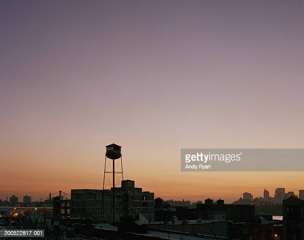 usa, new york, brooklyn, water tower, cityscape, sunset - water tower storage tank stock pictures, royalty-free photos & images