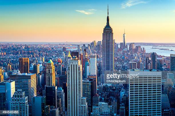 new york city aerial skyline at dusk, usa - new york city stockfoto's en -beelden