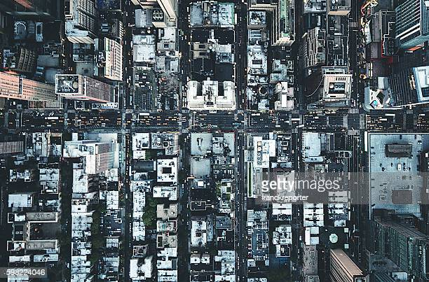 new york city aerial view of the downtown - wolkenkrabber stockfoto's en -beelden