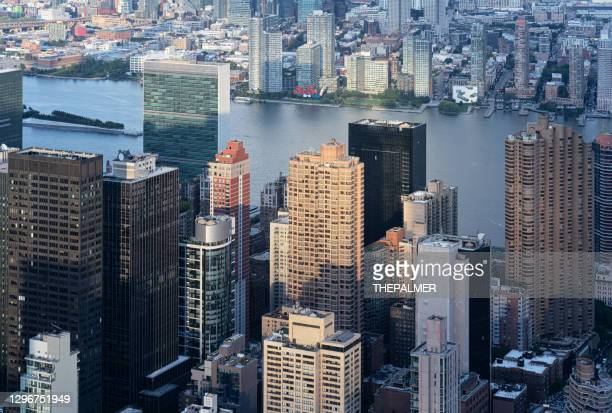 new york city and hudson river - manhattan new york city stock pictures, royalty-free photos & images