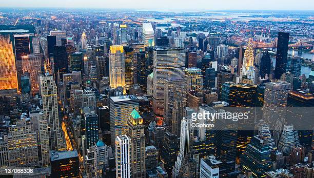 new york city at night - ogphoto stock photos and pictures