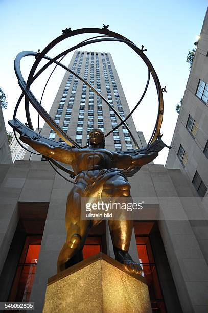 Atlas Statue in front of the Rockefeller Center