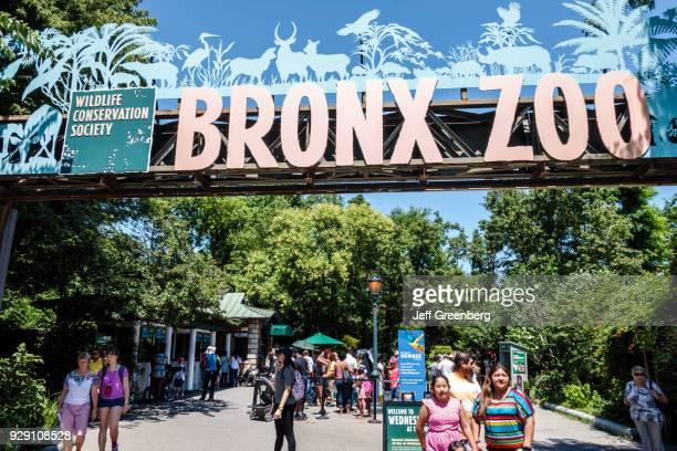New York City Bronx Zoo entrance