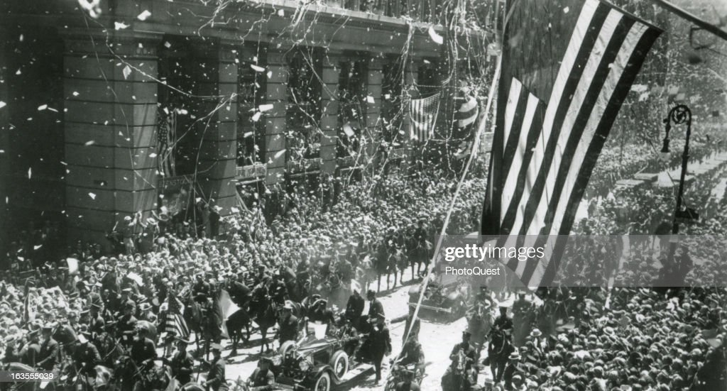 Lindbergh's Tickertape Parade : News Photo