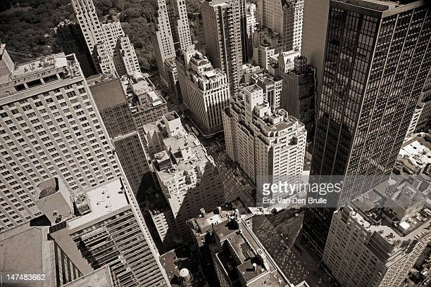 new york city from aerial view - eric van den brulle stock pictures, royalty-free photos & images