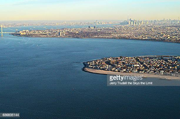 new york city from coney island - barclays center brooklyn stock pictures, royalty-free photos & images
