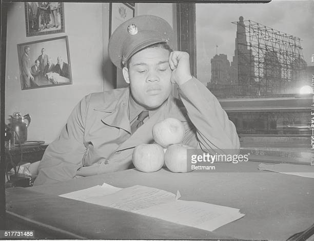 Fruit Of Victory Smalltime fighters get paid off in cash The big guys who pull down more money are paid by check But all Joe Louis got for blasting...