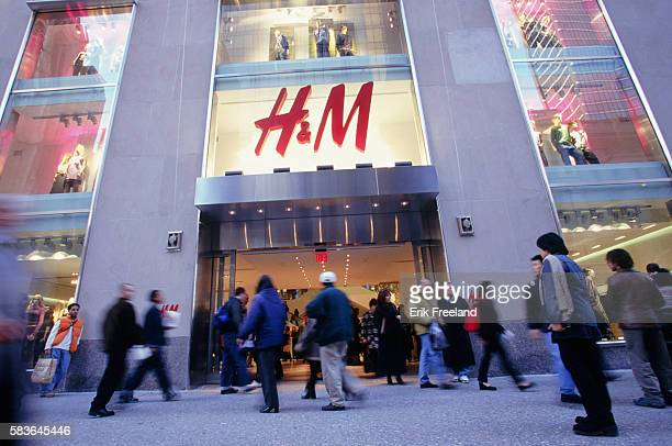 HM is a Swedish clothing store on Fifth Avenue