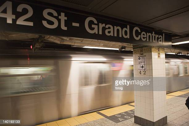 usa, new york city, manhattan, 42 street-grand central underground station - grand central station manhattan stock pictures, royalty-free photos & images