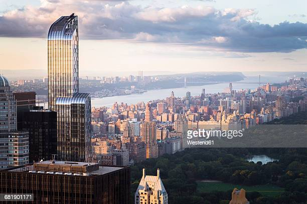 USA, New York City, Manhattan skyline with One57 building and Central Park