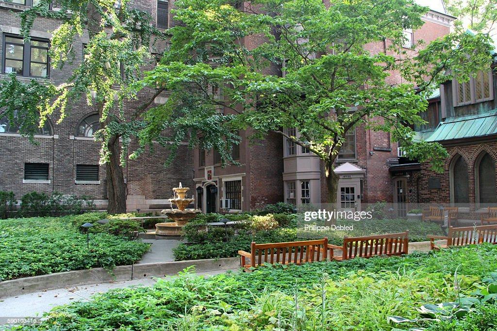 Usa New York City Manhattan The Transfiguration Church Garden Also ...