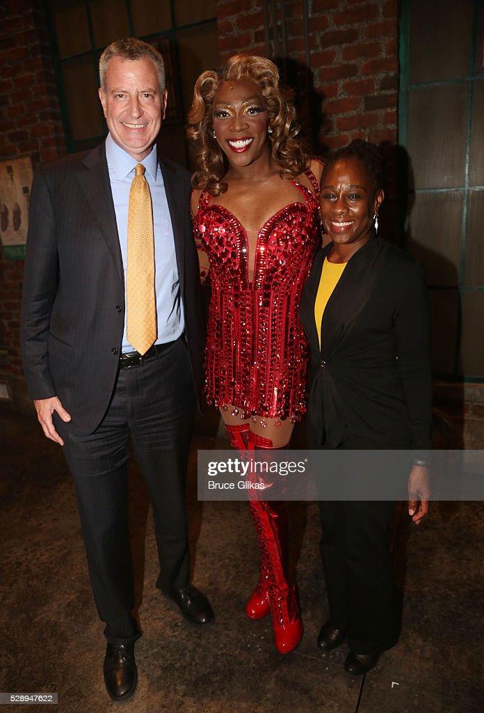 "New York City Mayor Bill DeBlasio Visits Broadway's ""Kinky Boots"" - May 6, 2016"