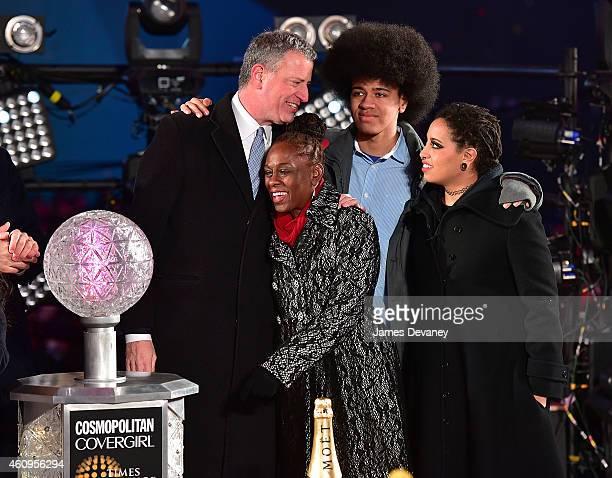 New York City Mayor Bill de Blasio Chirlane McCray Dante De Blasio and Chiara De Blasio attend New Year's Eve 2015 in Times Square on December 31...