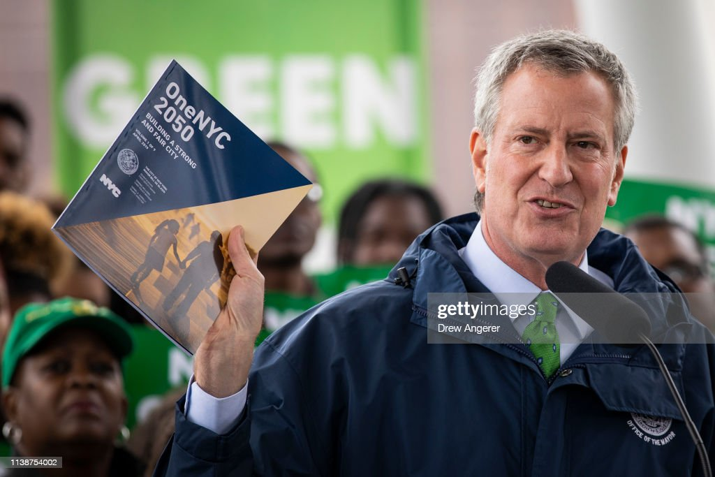 "NY: Mayor Bill De Blasio Discusses NYC's ""Green New Deal"" On Earth Day"