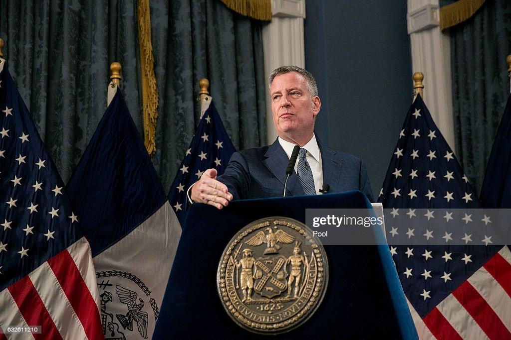 Mayor De Blasio Presents 2018 Preliminary Budget At City Hall : Photo d'actualité