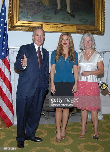 Michael c hall pictures and photos getty images new york city mayor michael bloomberg and deputy mayor anna gibbs meet with singer shakira to m4hsunfo