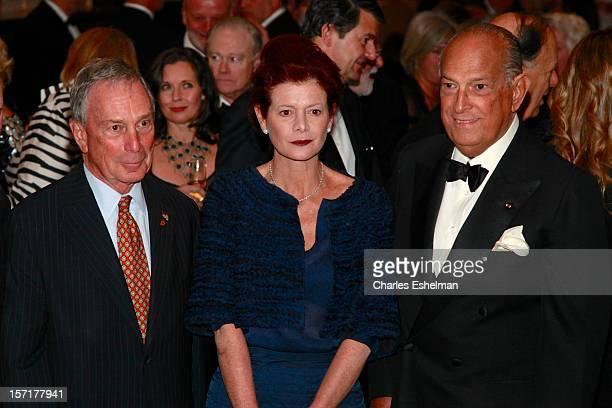 New York City Mayor Michael Bloomberg, Lady Foster of Thames Bank Elena Ochoa and Oscar de la Renta attend the Queen Sofia Spanish Institute 2012...