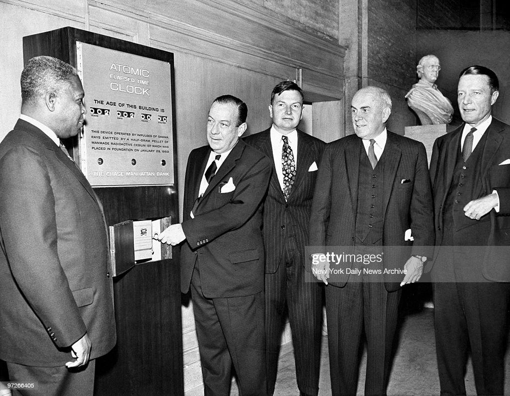 New York City Mayor Robert Wagner starts an atomic clock ins : News Photo