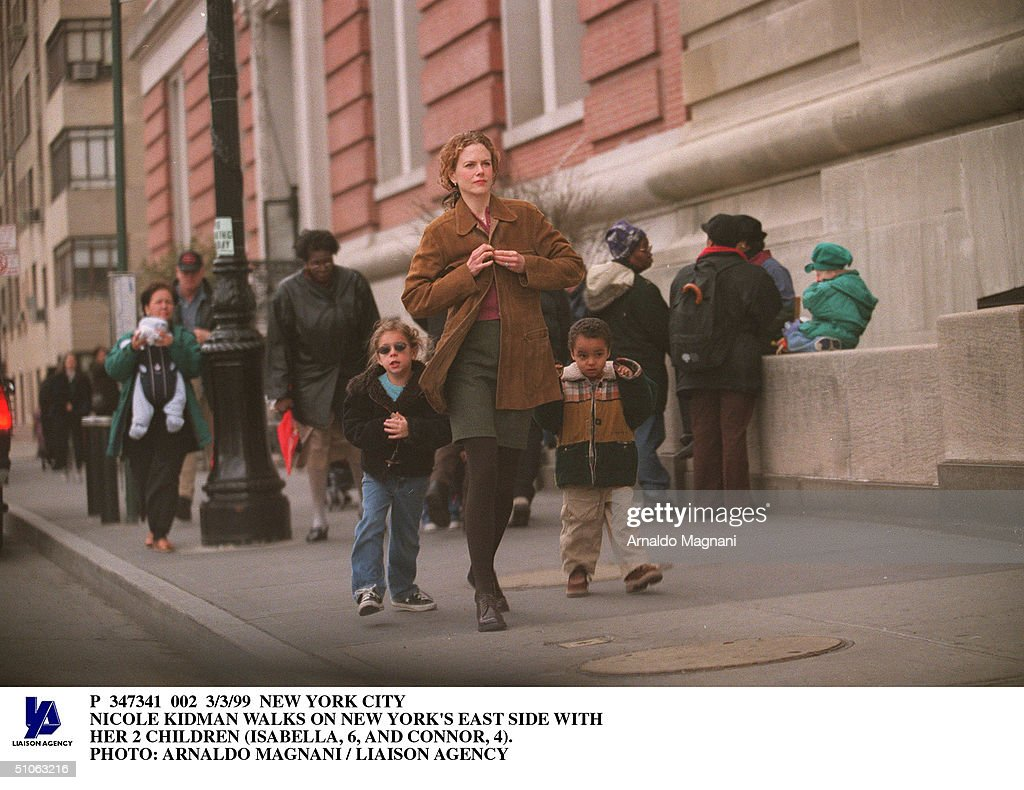 Nicole Kidman Walks On New York's East Side With Her 2 Children (I : News Photo