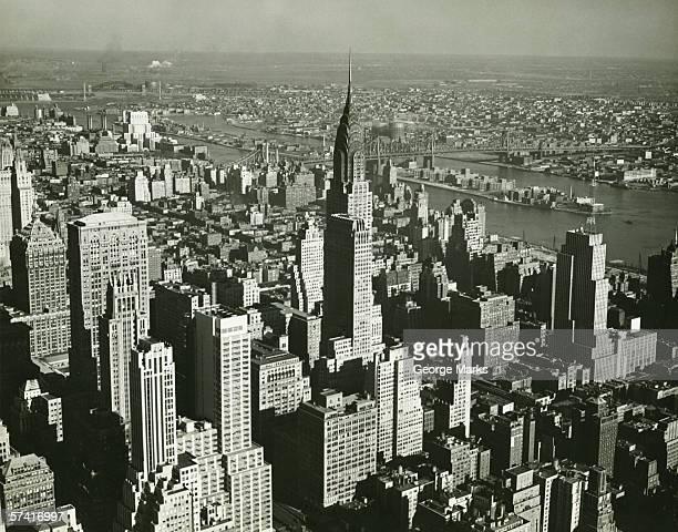 new york city, (b&w), (aerial view) - beroemde plaats stockfoto's en -beelden