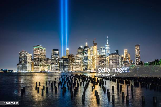 new york city skyline at night - tribute in light stock pictures, royalty-free photos & images