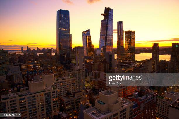 new york city skyline at sunset - staten island stock pictures, royalty-free photos & images