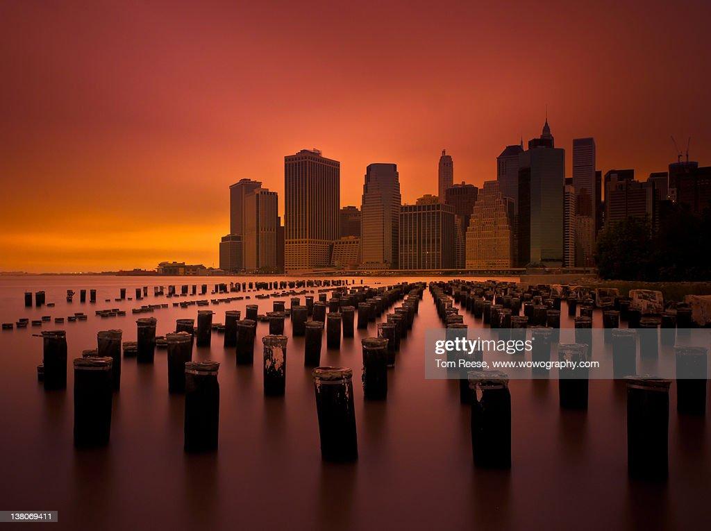 New York city skyline from Pier, Brooklyn : Stock Photo