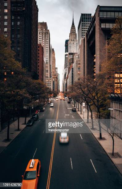 new york city skyline - new york state stock pictures, royalty-free photos & images