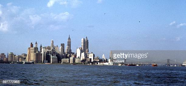 new york city skyline - 1956 stock-fotos und bilder