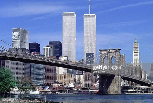New York City skyline with Brooklyn Bridge in the foreground and the twin towers of the World Trade Center in the background Centre skylines