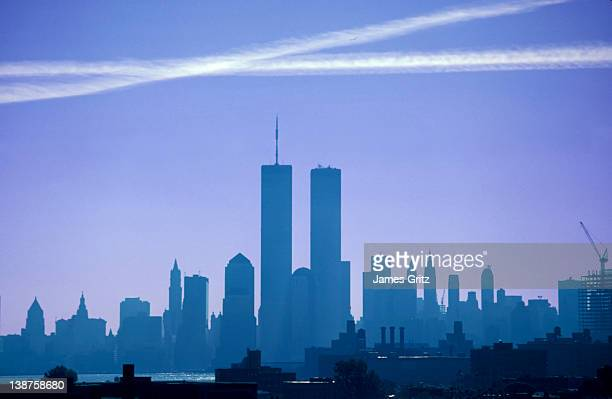 new york city skyline with world trade center - twin towers manhattan stock photos and pictures