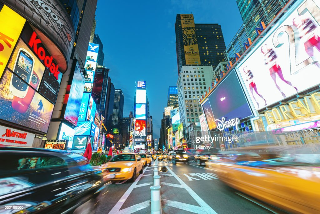 New York City Times Square Yellow Cab Verkehr : Stock-Foto