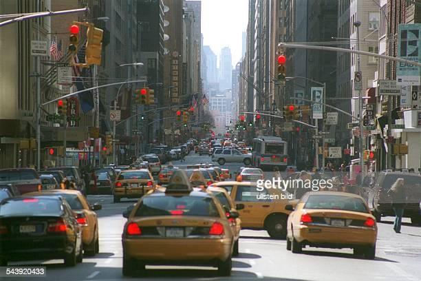 New York City USA , Strassenszene in Manhattan , Taxi , Yellow Cab