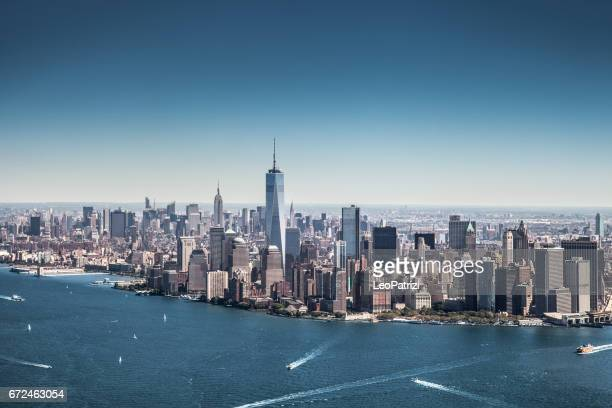 new york cityscape, modern downtown skyline - one world trade center stock pictures, royalty-free photos & images