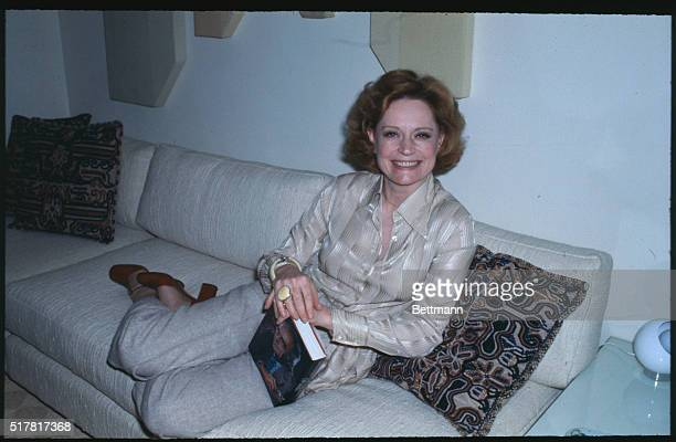 Close up of actress Alexis Smith in her hotel suite