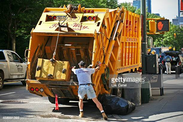 new york collecting trash - garbage truck stock pictures, royalty-free photos & images