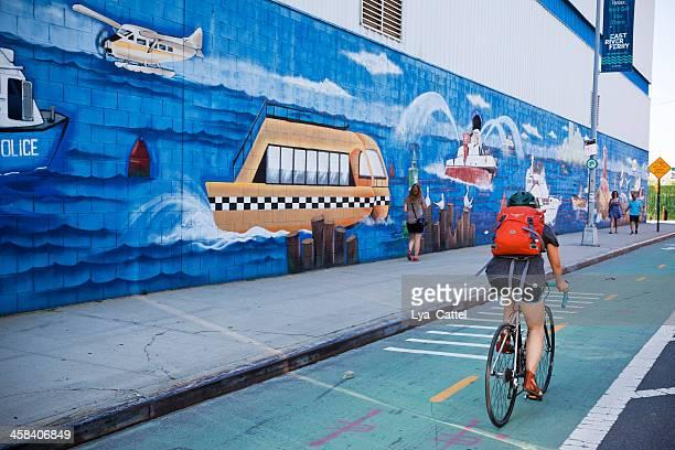 nueva york mountain bike - williamsburg brooklyn fotografías e imágenes de stock