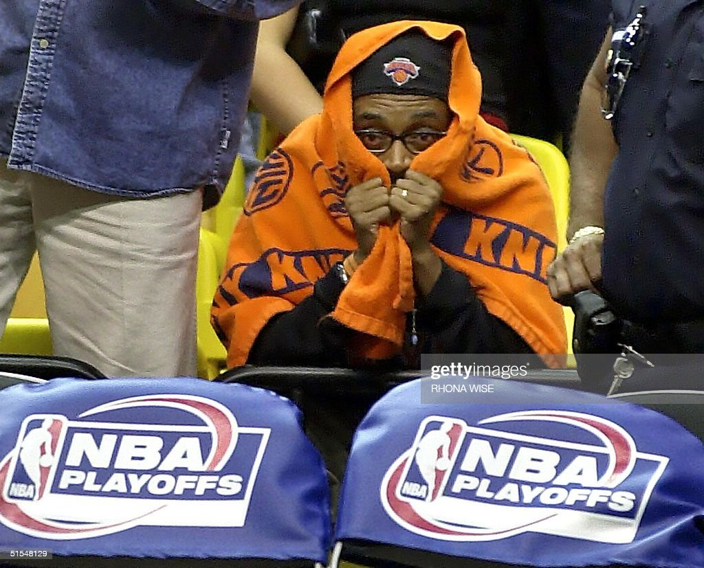 New York Film Director and Knicks fan Spike Lee si : News Photo